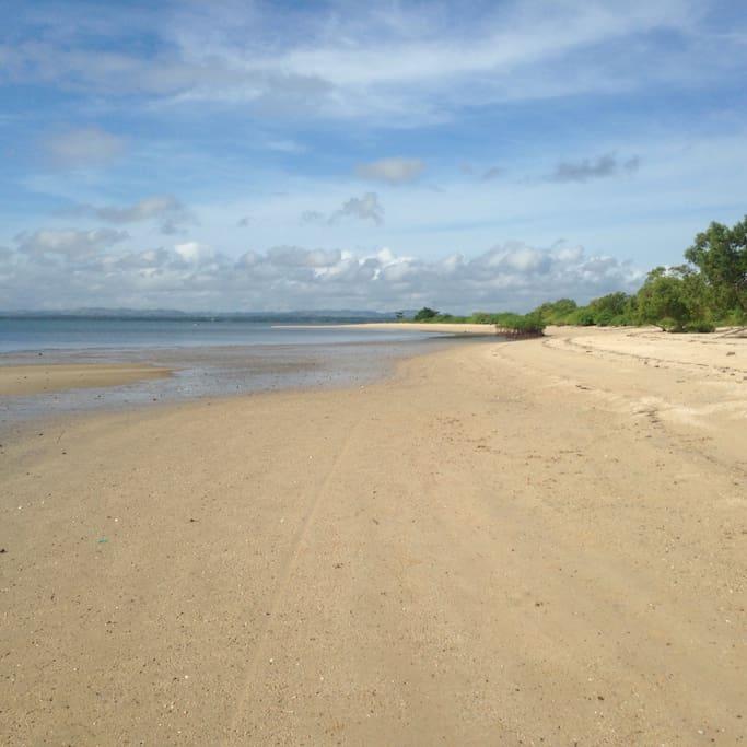 Beach line  jao bay