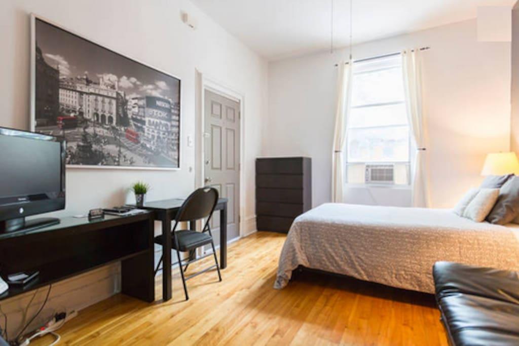 studio metro beaudry berri 2 appartements louer montr al qu bec canada. Black Bedroom Furniture Sets. Home Design Ideas