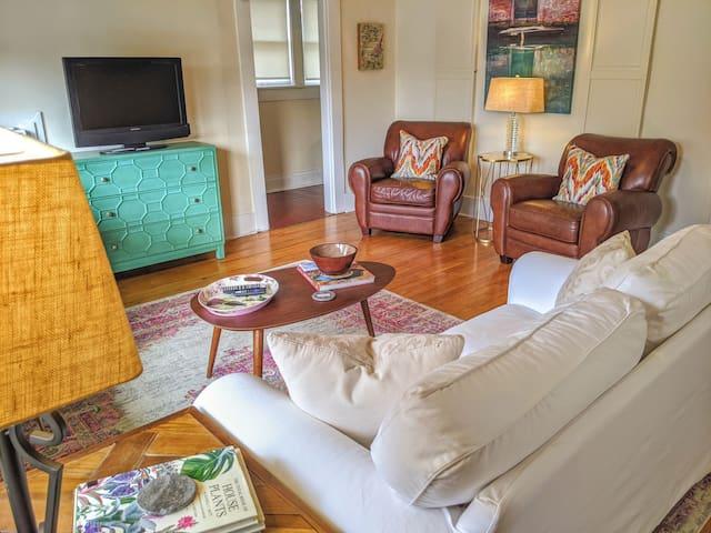 ❤Boutique Apartment ArtistHouse 1.5 mi Downtown1BR