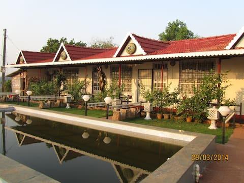 The Lake Chalet, Thai cottage B