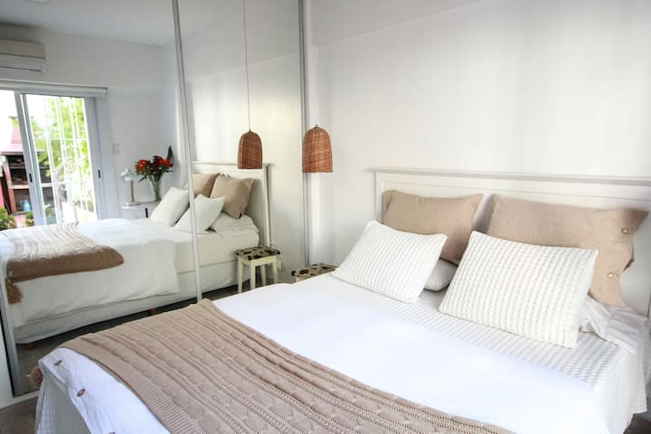 Queen Room in the Heart of Palermo Soho