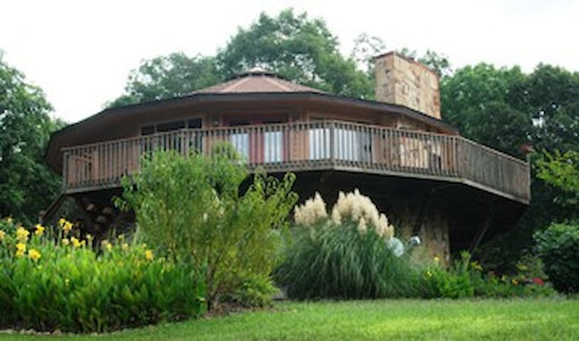 Serenity Cove Healing Center Room A - Greeneville - Bed & Breakfast