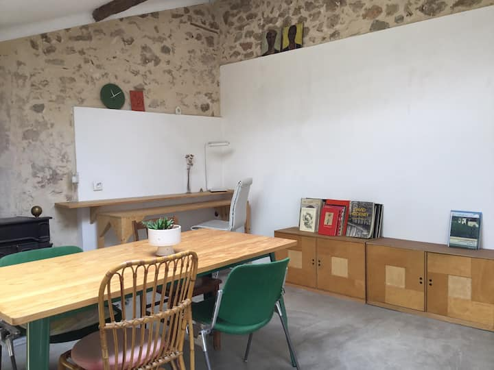 Atelier d'artiste, loft, terrasse vue montagne
