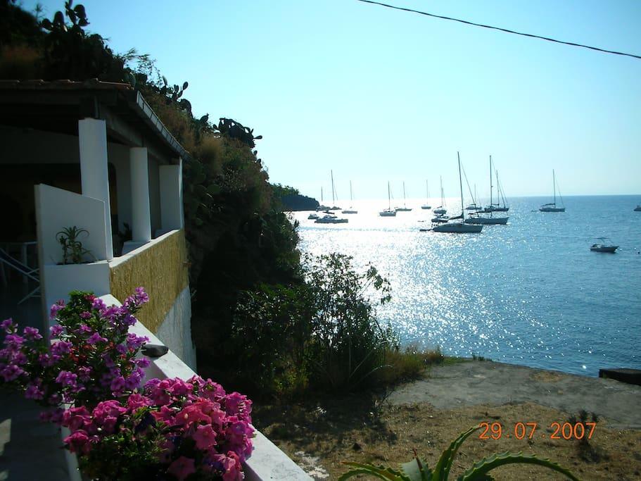 Vulcano casa sulla spiaggia gelso cottage in affitto a for Piccoli piani cottage sulla spiaggia
