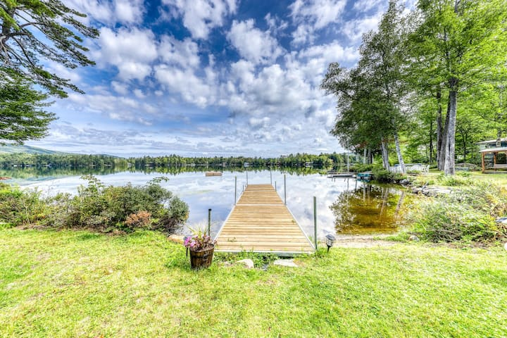 Stunning lakefront, open concept home w/ beautiful yard and dogs ok!
