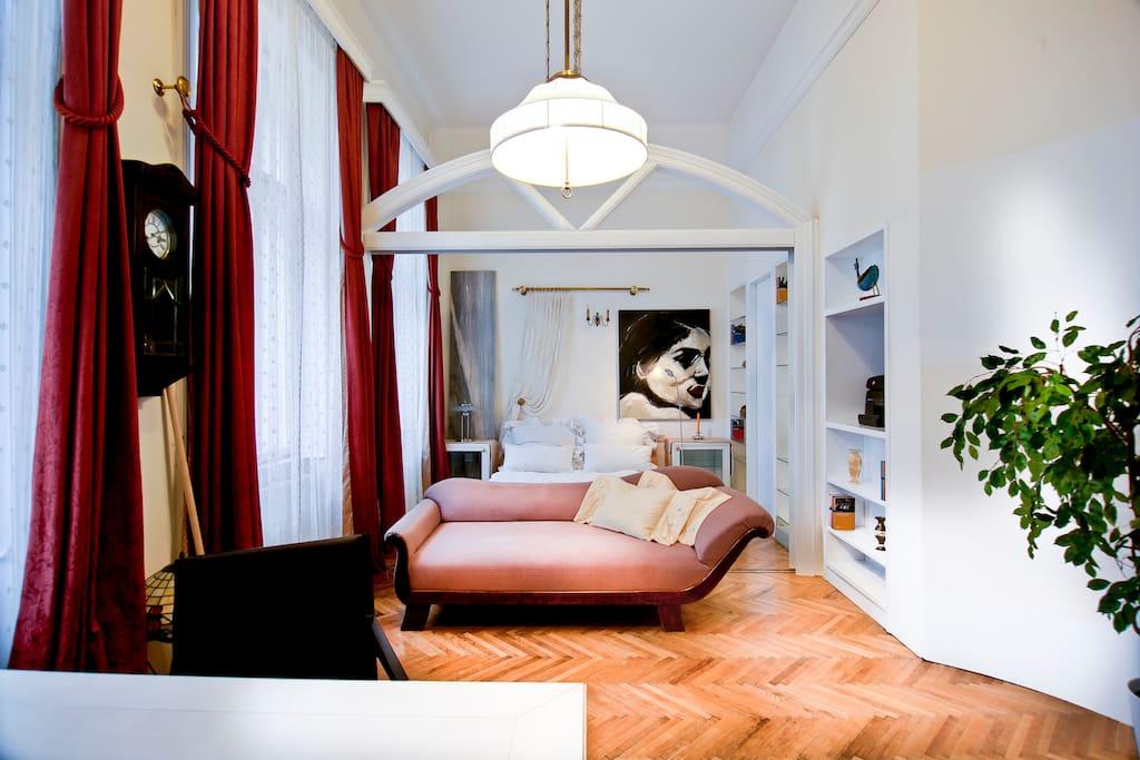 Elegant Apartment in City Center