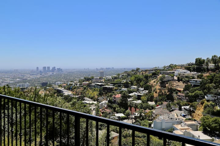 Top of the Hills above Sunset Plaza - Hollywood