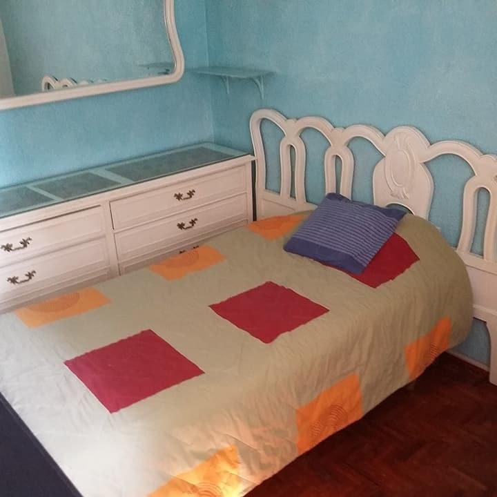 Renta de habitaciones amuebladas a damas