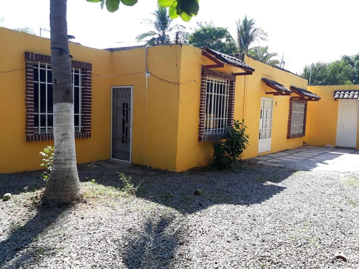 Bella casa cerca de Ixtapa con excelente confort