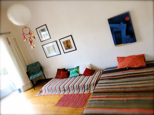 Artists home - Relax by the mediterranean - Limasol - House