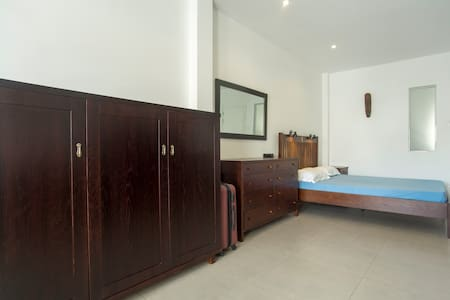 Centre, District 1, furnished with kitchenette - Ho Chi Minh City