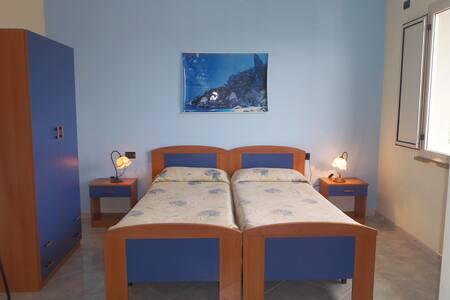 Camera Comfort con Vista Mare - Ilbono - Appartamento