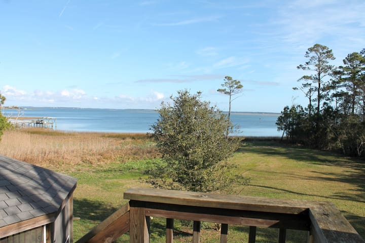 Private Waterfront Apartment - Beaufort - Apartment