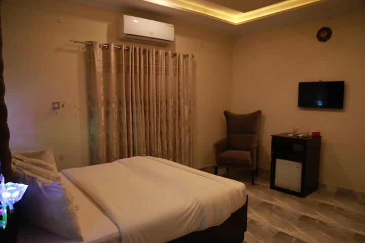 LUXURY STAY IN MULTAN in AFFORDABLE PRICE