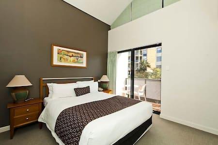 Modern 1 BEDROOM in the CBD - Perth