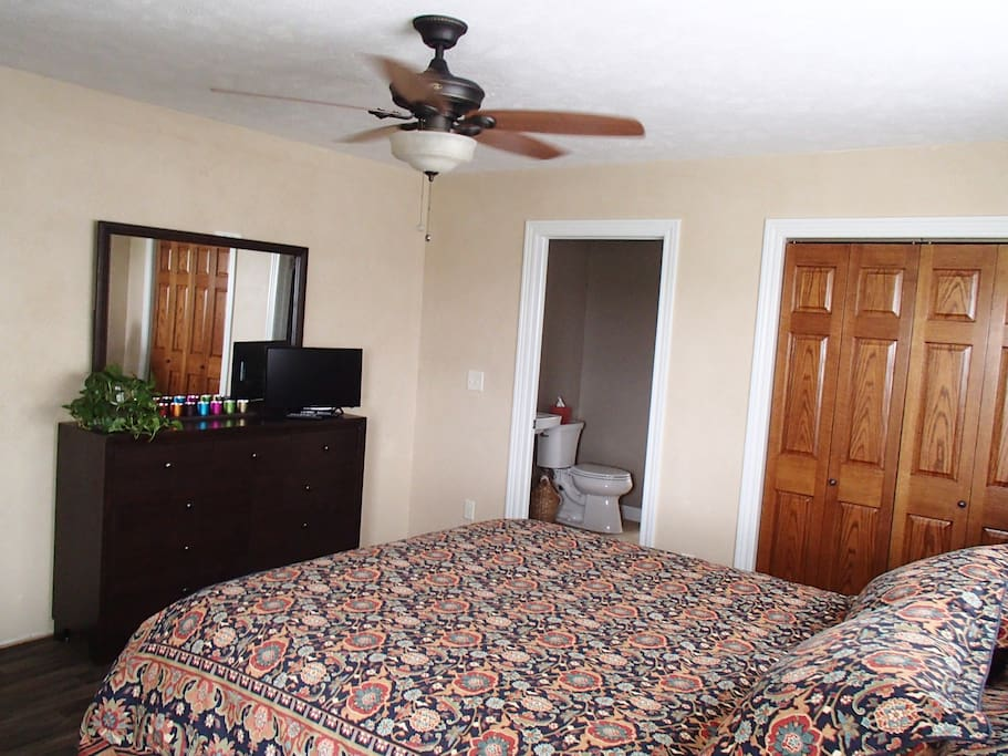 This room comes with a flat screen TV with DirectTV and a queen bed.