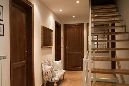 Una stanza nel mezzo del Mugello -  San Piero