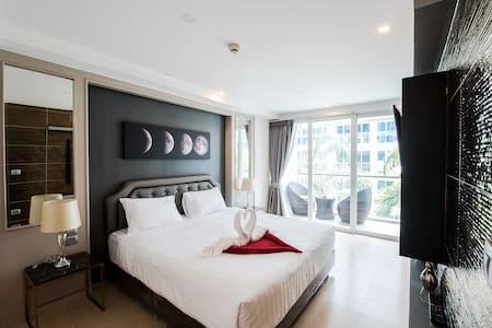 Centara Avenue Central Pattaya - Centara Azure
