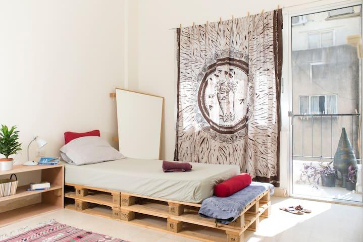 Cosy, Calm & Central -  Mar Mikhael - Apartment