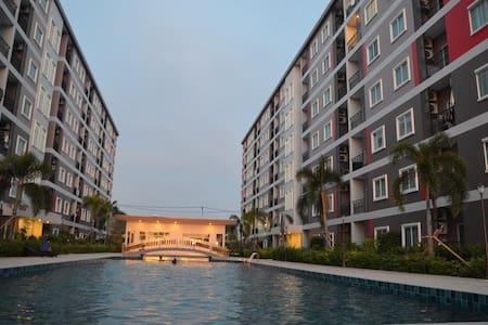 Comfortably & cozy condominuim in Pattaya Thailand - Muang Pattaya