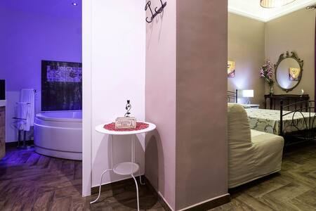 Camera Ida with jacuzzi - Palermo - Bed & Breakfast
