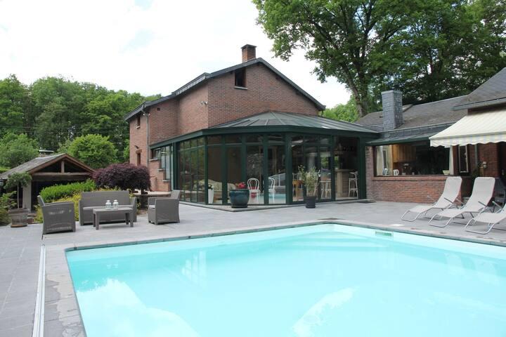 Cozy Villa in Marche-en-Famenne with Private Pool