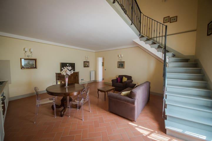 """""""MAGNOLIA"""" apt. in tuscan villa - Ronta - Apartament"""