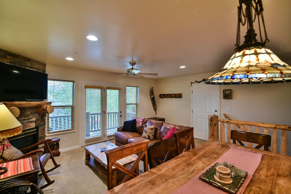 MH411 Living Room