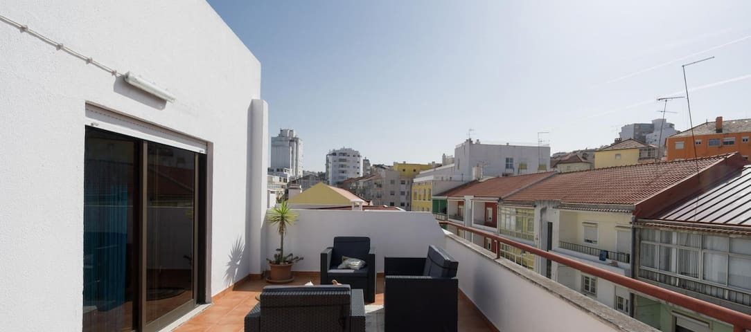 Apartment with amazing terrace (ONLY SINGLE ROOM)