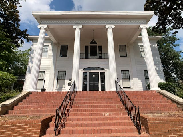Historic Edwardian Style Downtown Tyler Mansion