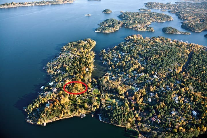 Next to the sea and Stockholm