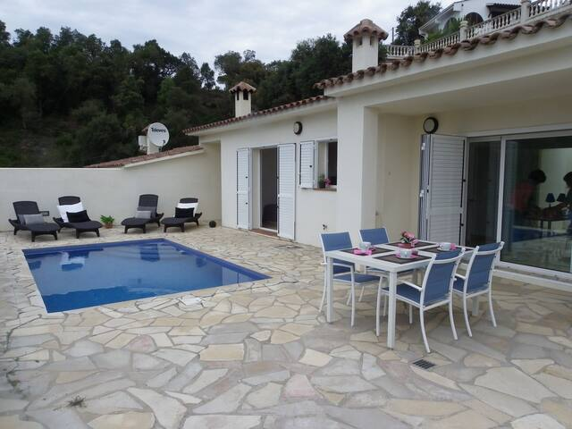 TERRACED HOUSE WITH PRIVATE POOL AND GREAT VIEWS ref MOLI-12