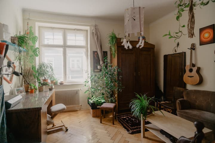 Cozy artsy Zimmer in traumhafter Lage zum träumen