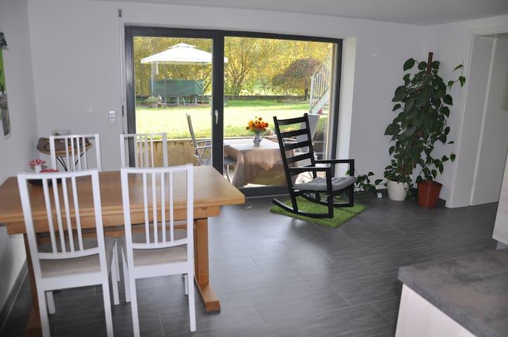 Gemütliche Ferienwohnung im Grünen - Lauchringen - Appartement