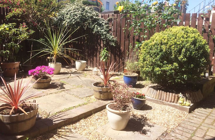 Private south facing garden to relax in!