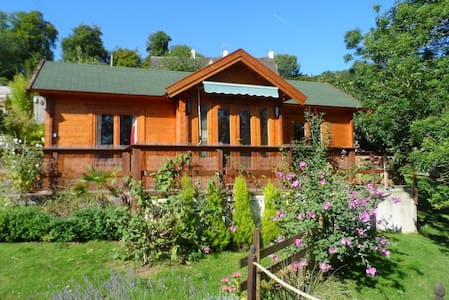Cosy cabin next to Bownham Common - Stroud