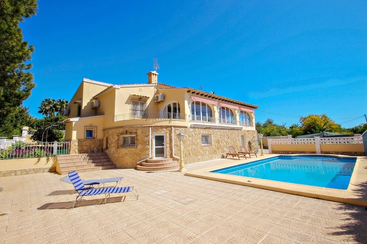 Samina - holiday home with stunning views and private pool in Benissa