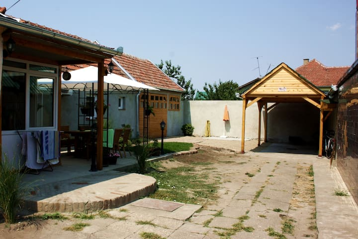 Cozy room in tranquil part of town - Zrenjanin