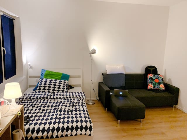 Cozy studio flat in vibrant neightborhood