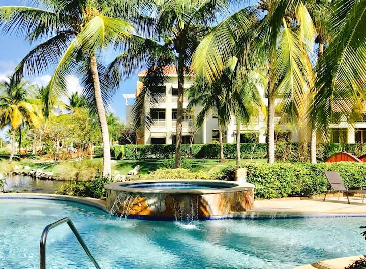 Pool Front Luxury Beach 3BR Villa