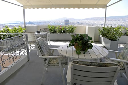 A unique house 85m2 with amazing seaview_Pireas - Pireas - Hus