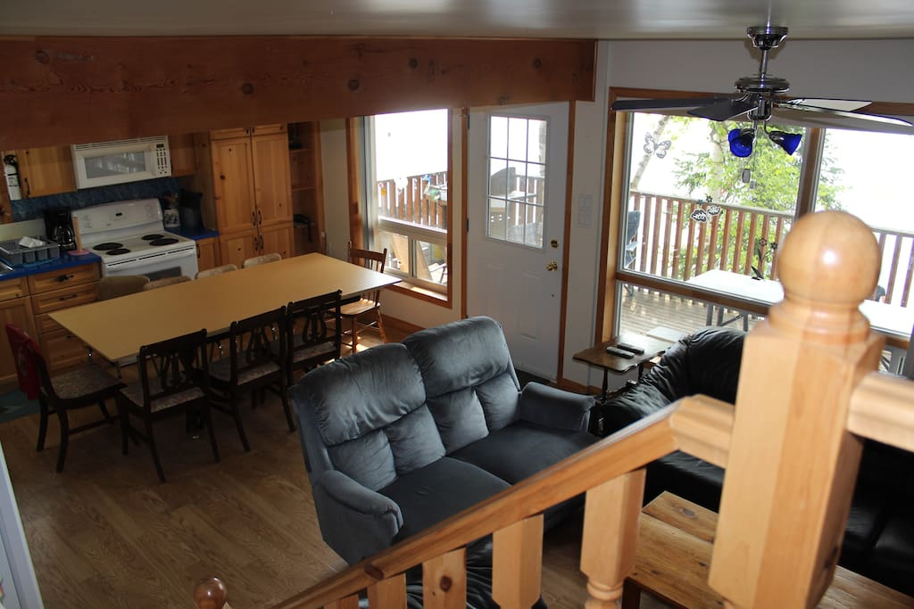 Nice larger eating area. Perfect for family dinners