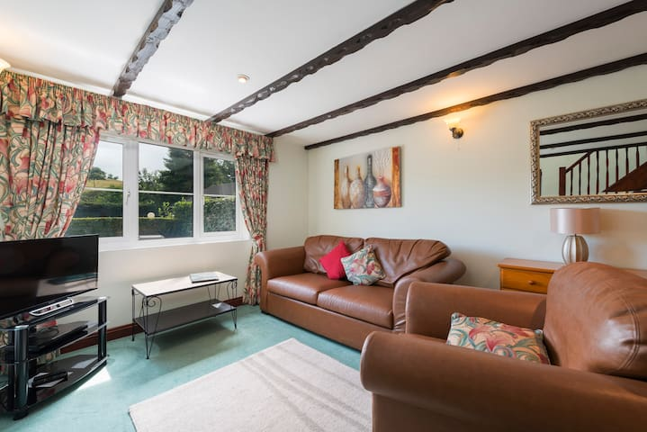 One bedroom 'Valley View Cottage' at Crylla Valley - Saltash