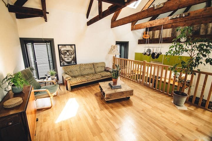 Top-floor Brewery apartment