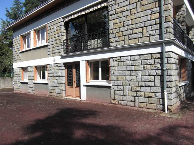 Appartement f2 donnant sur jardin maisons louer - Maison jardin hello kitty clermont ferrand ...