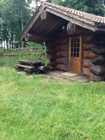 Mini traditional log cabin capanne in affitto a carlisle for Capanne di cervo