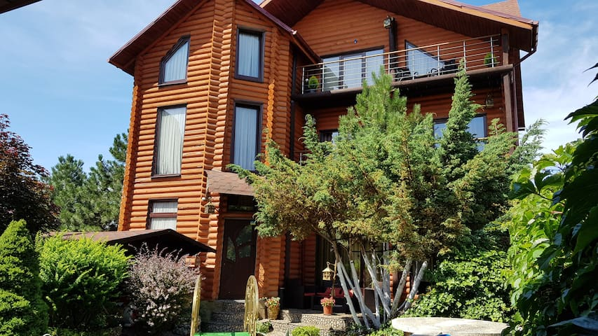 Luxury apartments with pool and sauna in the Villа
