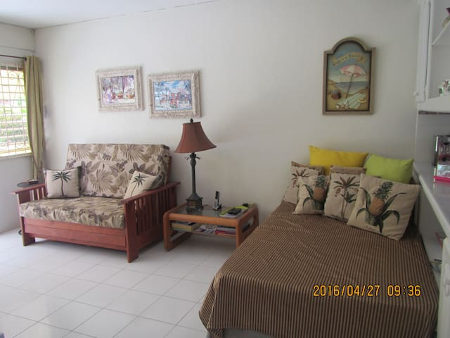 Rockley Beach Apartment