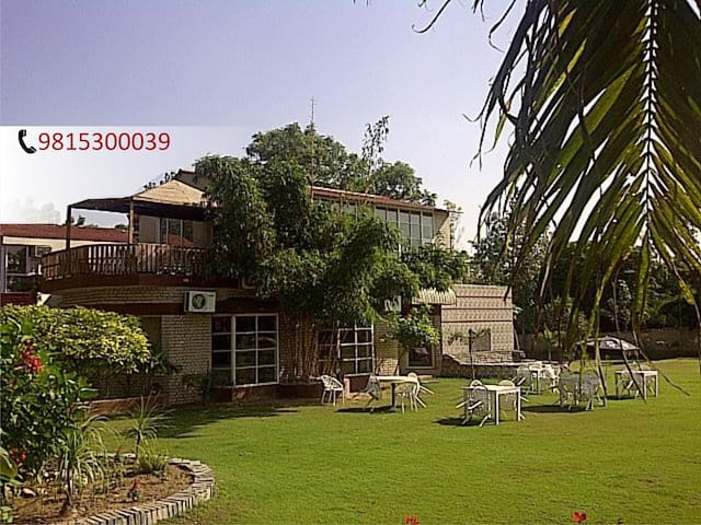 Farmhouse Retreat in Chandigarh - Zirakpur - Bed & Breakfast