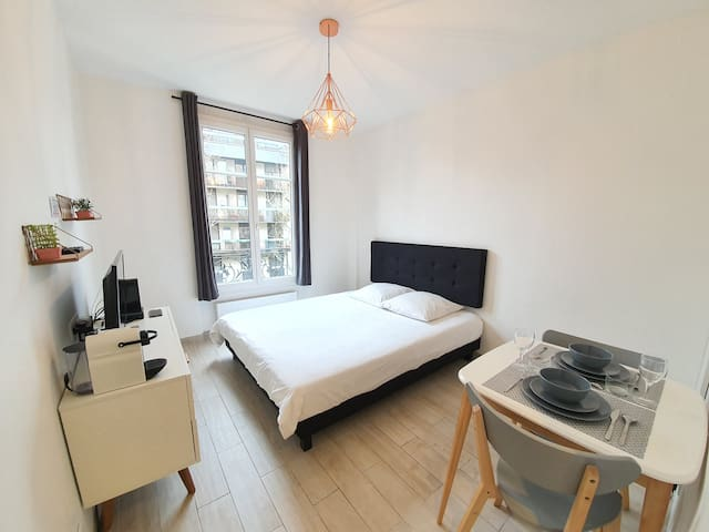 Charming Flat near Exhibition Center #1